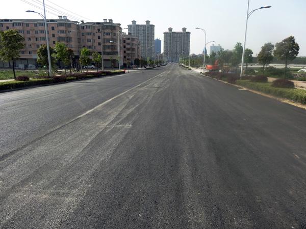 辉煌路维修工程完工